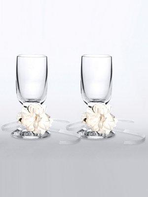 Degvīna glāzes ar lentīti un puķītem.