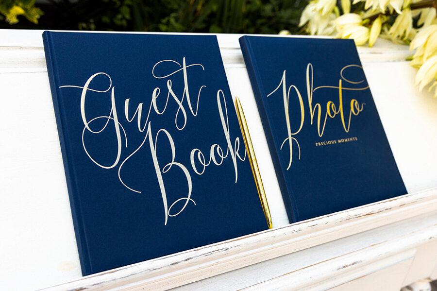 """Viesu grāmata, zilā ar zelta uzrakstu """"Guest Book"""""""