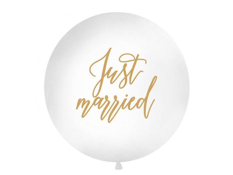 "Balts kāzu balons ar zelta uzrakstu ""Just married"" - 1m"
