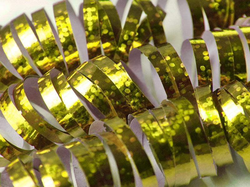 Hologrāfisks serpantīns, zelta
