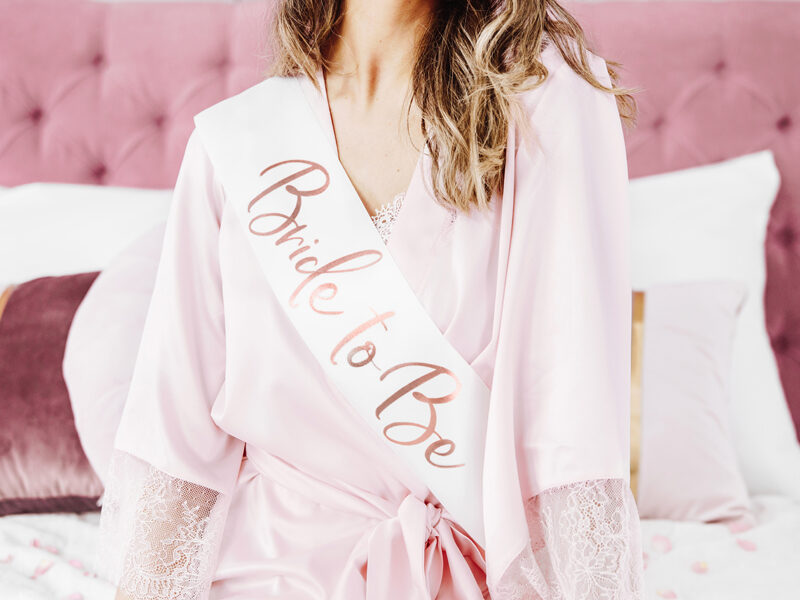 Topošās līgavas lente, baltā ar rozā zelta uzrakstu