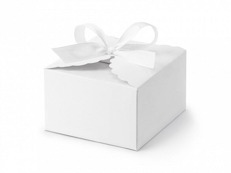 Papīra kastītes, baltā krāsā ar bantiti