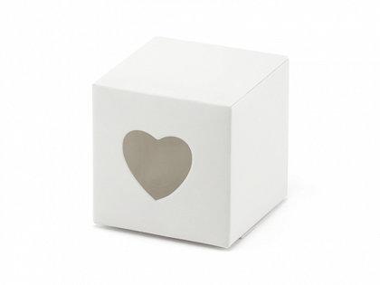 Kastītes, baltā krāsā ar sirdi
