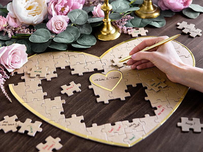 Viesu grāmata sirds formā - puzzle.